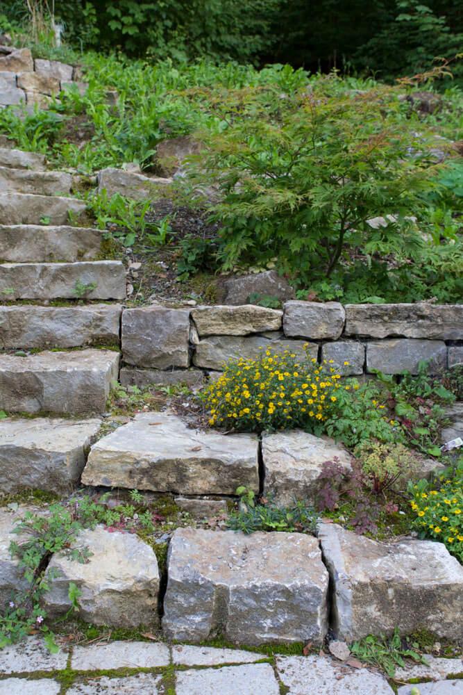 Top Naturstein-Treppe im Garten – Naturnahe Gartengestaltung Ralf #GG_69
